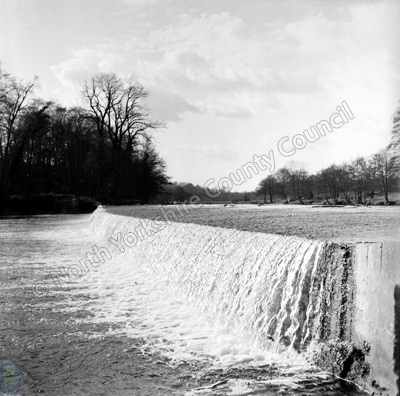 Thorp Arch Weir, 1964